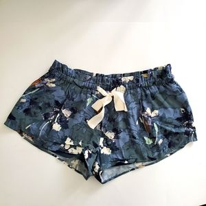 Aritzia | Wilfred Blue Printed Shorts Size Small